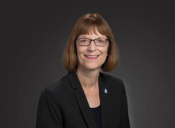 headshot of Linda Stueber
